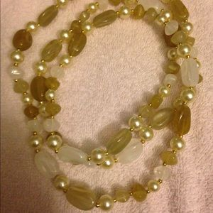 Vtg Faux Pearl & Stone Necklace